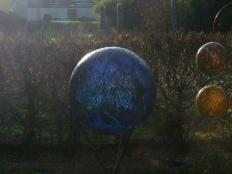 Glaskugeln im Sonnenlicht